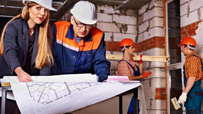 kobieta-na-budowie