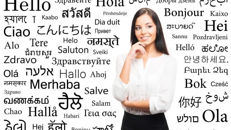 Spotyka się z tłumaczem