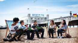 tn_students-on-brighton-pier