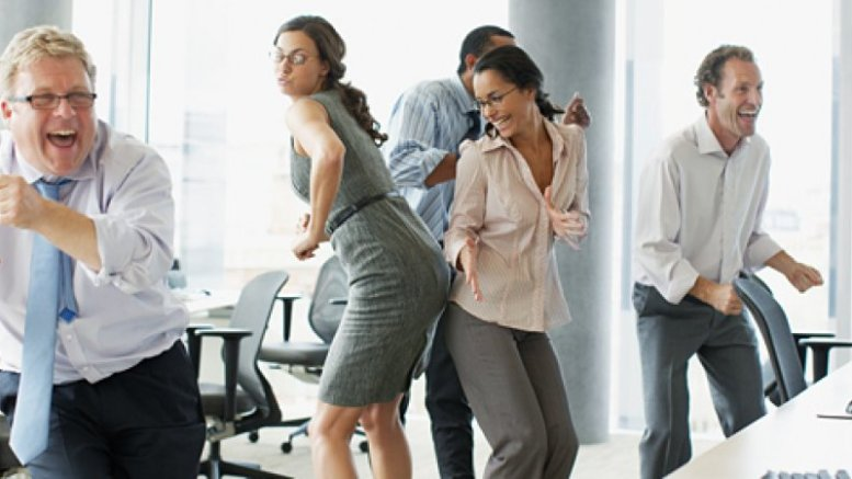 dancing-employees-pan_11910