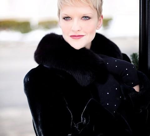 beautiful-young-woman-635271_960_720